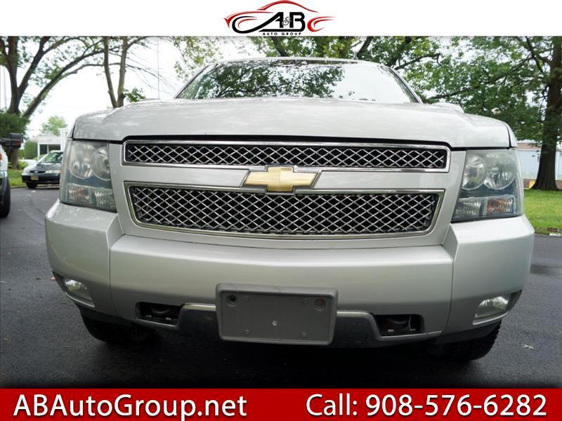 """Chevrolet Avalanche 1500 5dr Crew Cab 130"""" WB 4WD Z71 2011"""