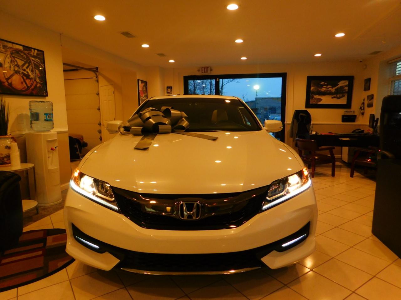 2017 Honda Accord EX-L w/Navigation and Honda Sensing CVT
