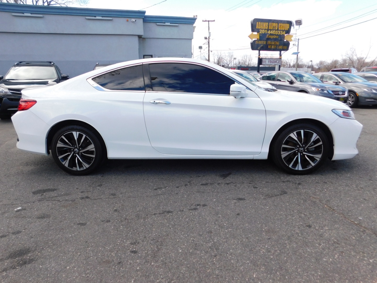 Honda Accord EX-L w/Navigation and Honda Sensing CVT 2017