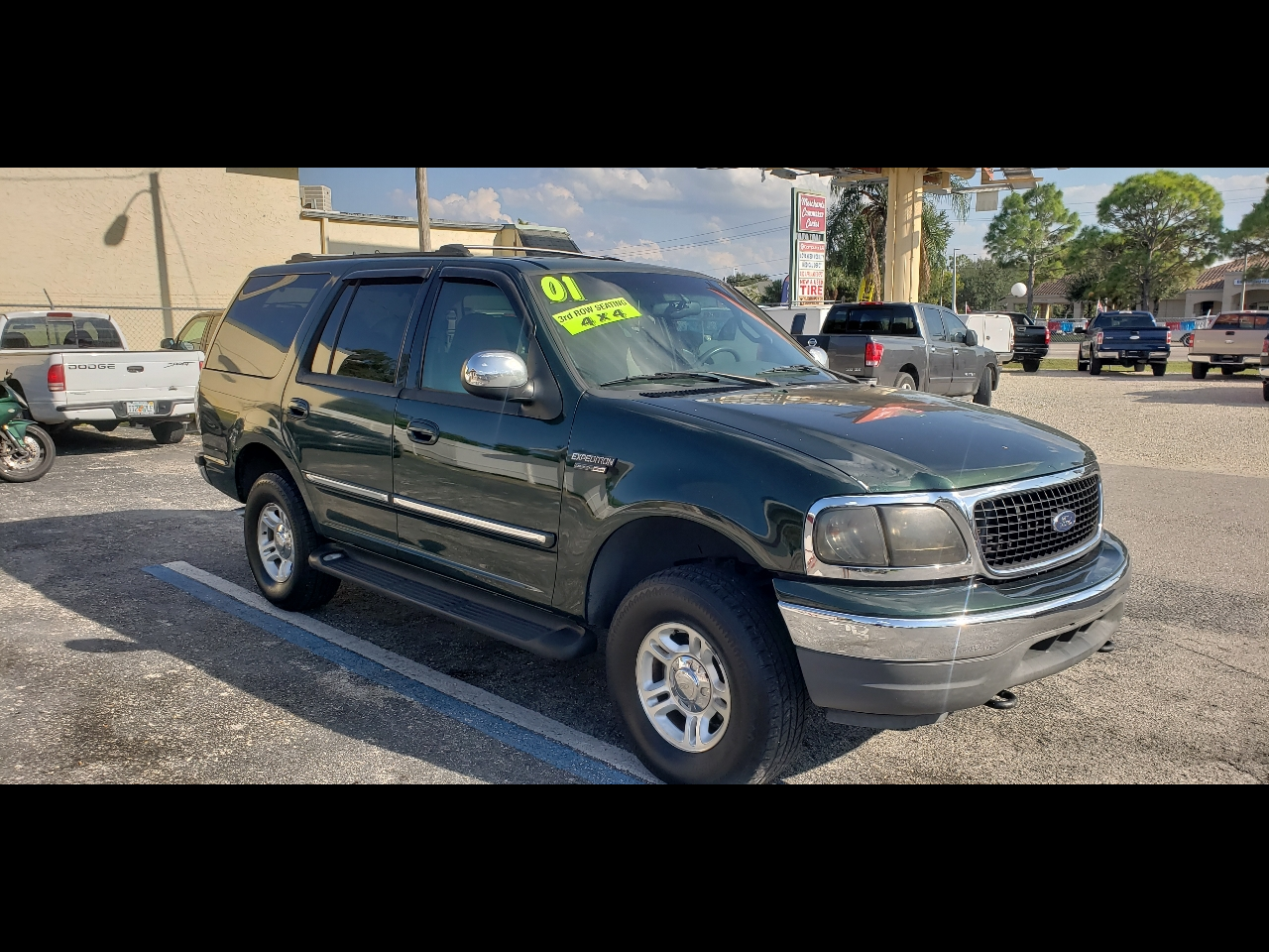 """Ford Expedition 119"""" WB XLT 4WD 2001"""