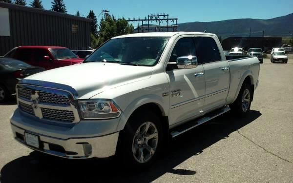 2016 RAM 1500 Laramie Crew Cab LWB 4WD
