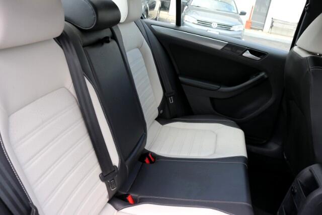 2016 Volkswagen Jetta Sport 6A