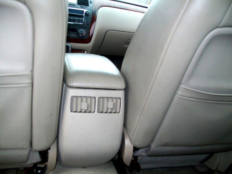 2007 Cadillac DTS 4dr Sdn Luxury II