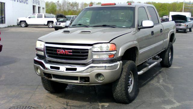 2003 GMC Sierra 2500HD Crew Cab Short Bed 4WD