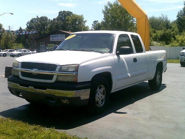 2004 Chevrolet Silverado 1500 Work Truck Ext. Cab Short Bed 2WD