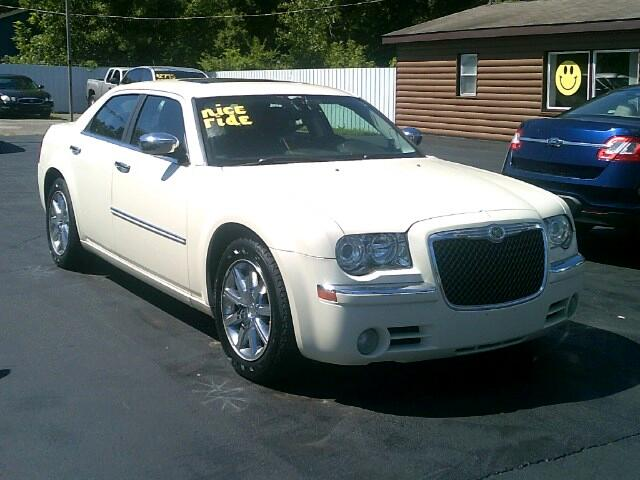 2009 Chrysler 300 Limited RWD