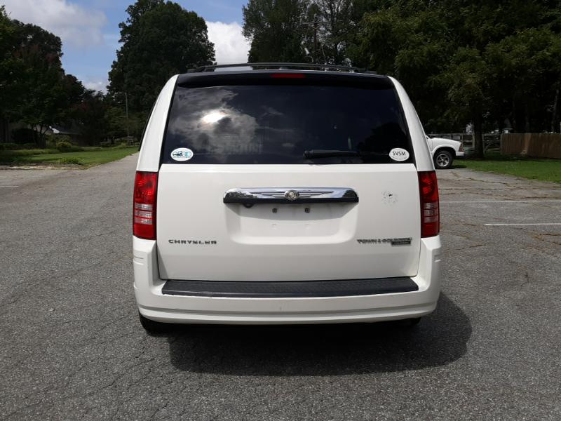 2010 Chrysler Town & Country 4dr LWB Touring FWD