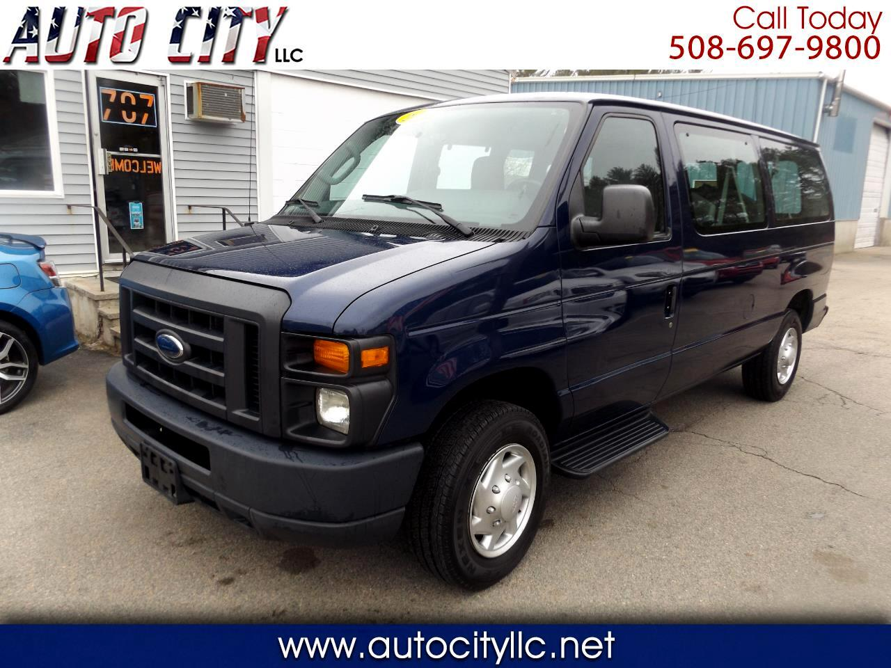 Ford Econoline Wagon E-150 XL 2013
