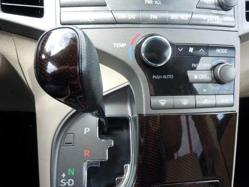 2009 Toyota Venza 4dr Wgn V6 FWD (Natl)