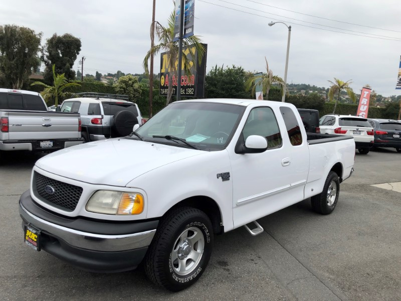 2000 Ford F-150 XLT SuperCab Short Bed 2WD