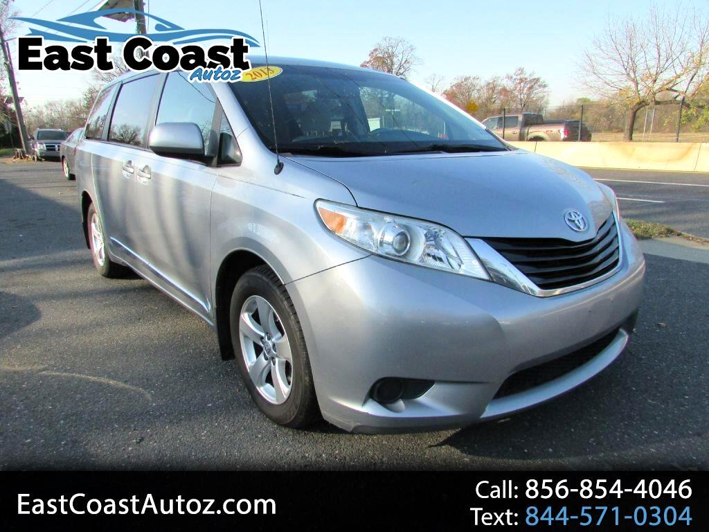 Toyota Sienna 5dr 7-Pass Van V6 LE FWD (Natl) 2013