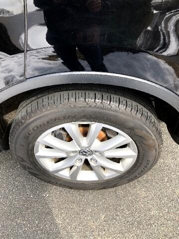 2013 Volkswagen Touareg VR6 Lux