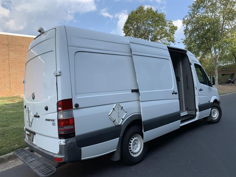 Mercedes-Benz Sprinter 2500 High Roof 170-in. WB 2011