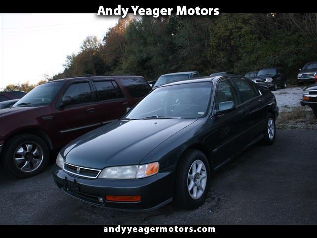 1996 Honda Accord  for sale VIN: 1HGCD563XTA046239