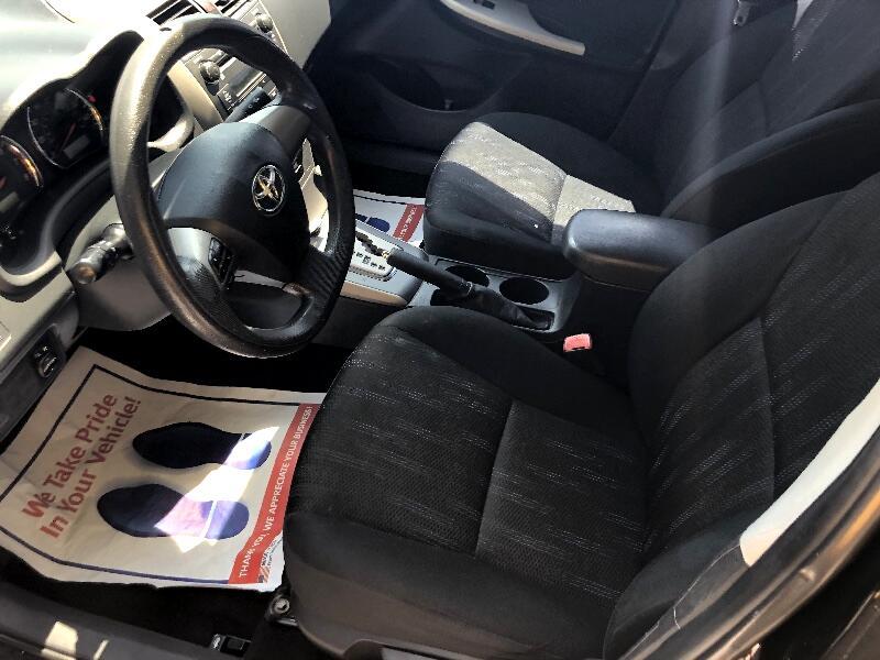 2011 Toyota Corolla 4dr Sdn Auto S (Natl)