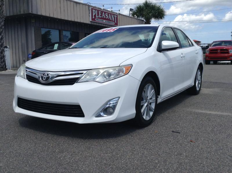 2012 Toyota Camry 2014.5 4dr Sdn I4 Auto XLE (Natl)