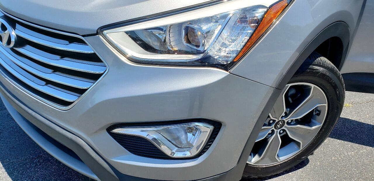 Hyundai Santa Fe SE FWD 2016