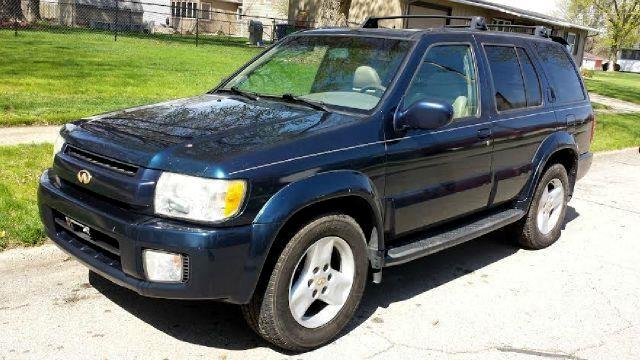 used 2002 infiniti qx4 4wd for sale in ankeny ia 50023. Black Bedroom Furniture Sets. Home Design Ideas