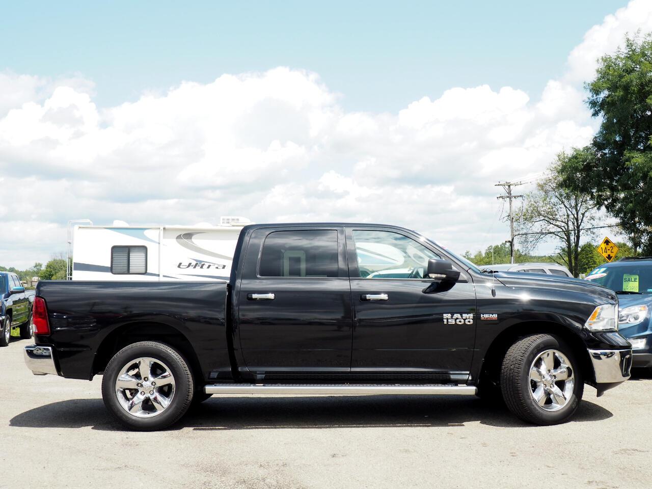 2017 RAM 1500 Big Horn 4x4 Crew Cab 5'7