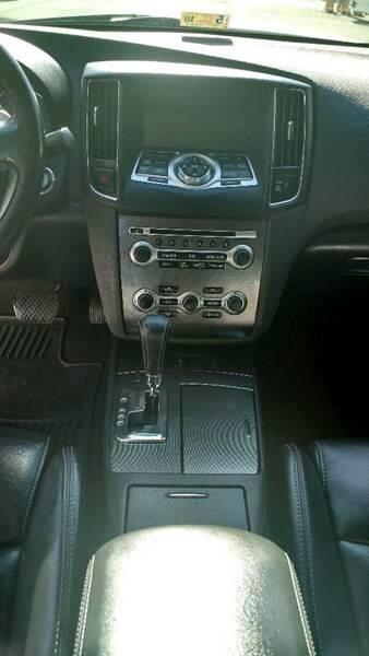 2011 Nissan Maxima SV