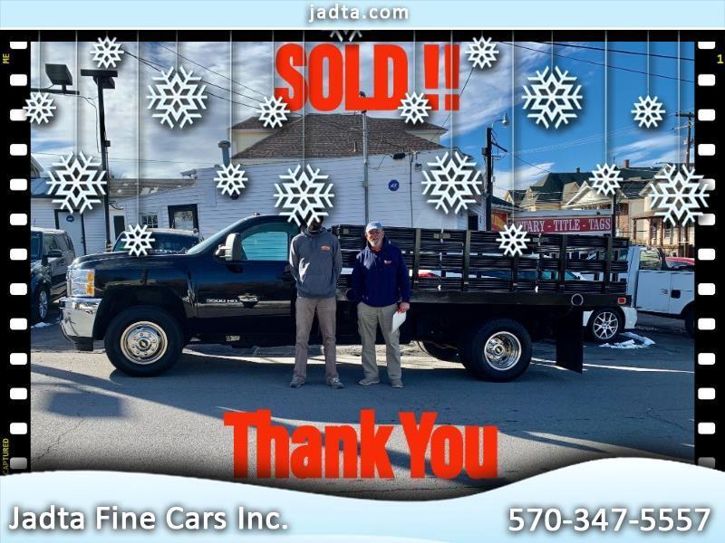 """Chevrolet Silverado 3500HD 2WD Reg Cab 162"""" WB, 84.3"""" CA WT 2011"""