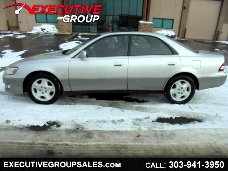 Lexus ES 300 Base 2000