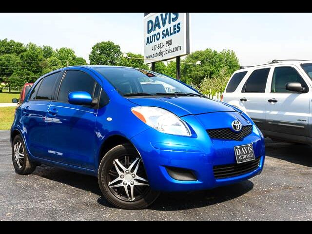 2010 Toyota Yaris Liftback 5-Door AT