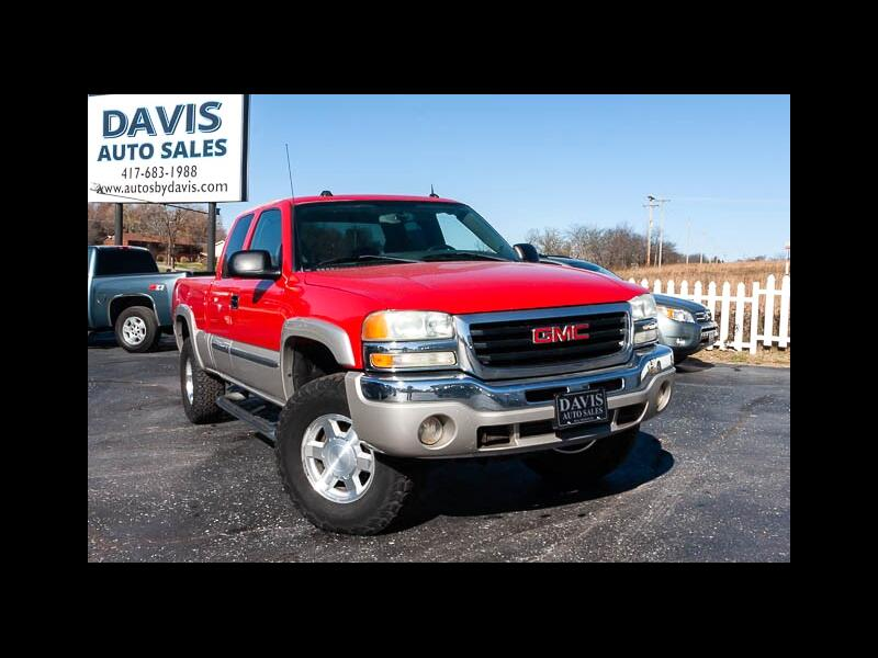 2004 GMC Sierra 1500 SLE Ext. Cab 4-Door Short Bed 4WD