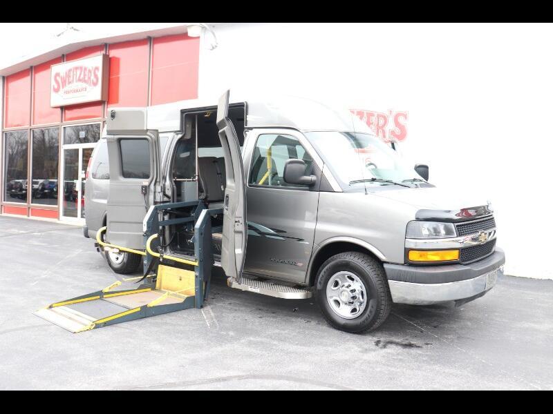 "Chevrolet Express Passenger RWD 3500 155"" 1LT 2012"