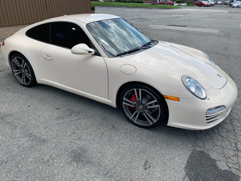 Porsche 911 Carrera S Coupe 2011