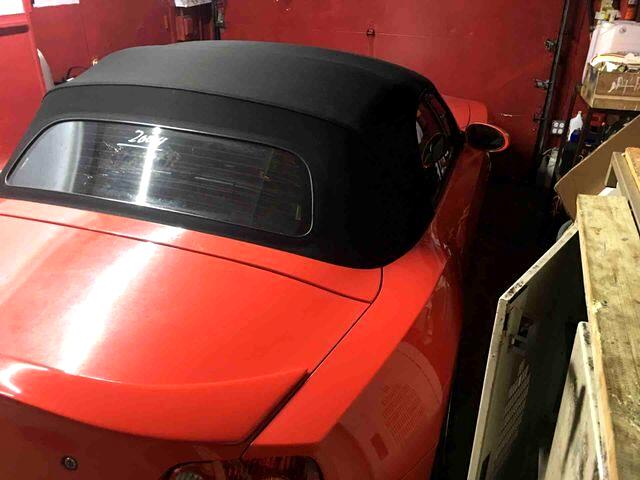 2004 BMW Z4 2.5i Roadster 2D