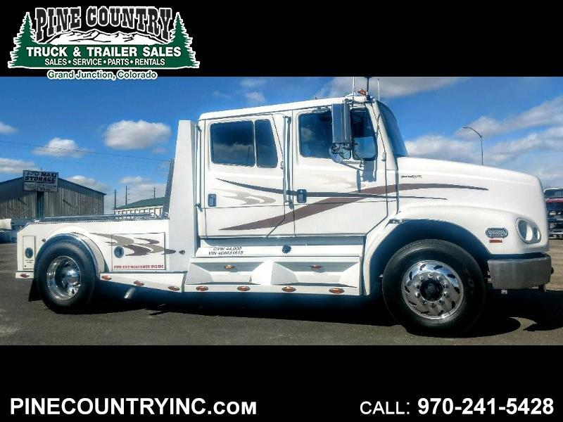Freightliner Sport Chassis  2004