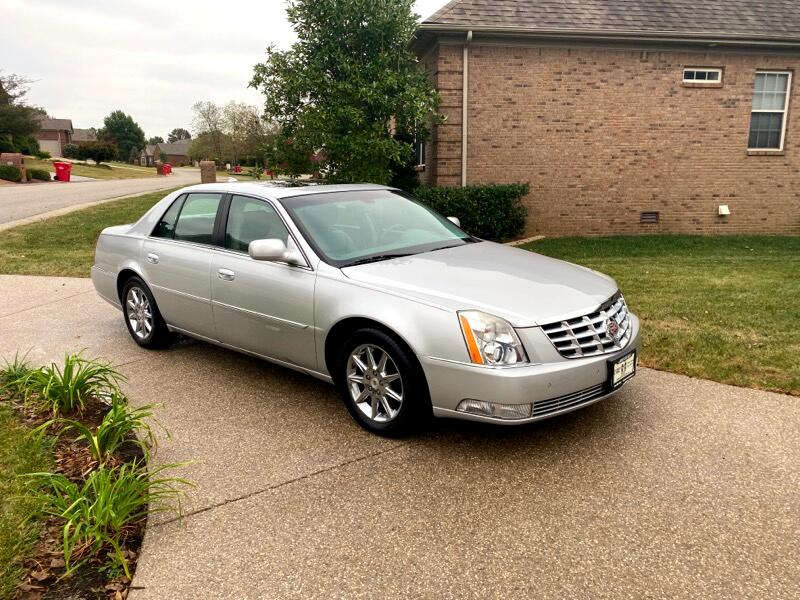2010 Cadillac DTS 4dr Sdn Luxury Collection