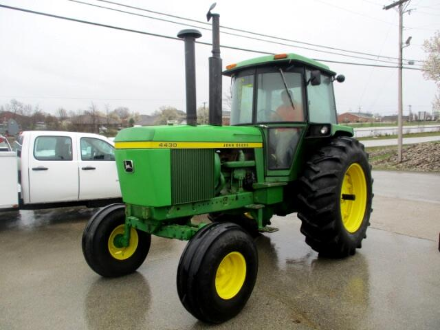 1 John Deere Tractor farm tractor