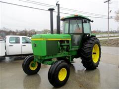 1 John Deere Tractor