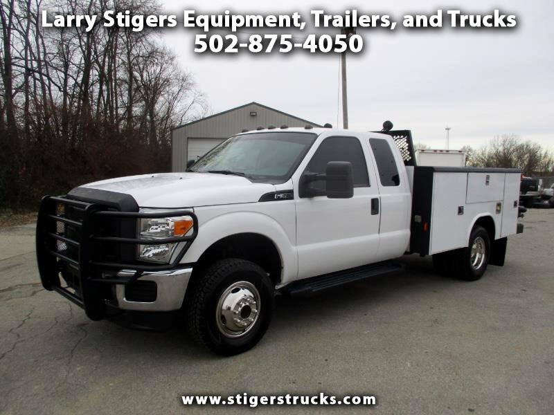 Ford F-350 SD XL SuperCab Long Bed DRW 4WD 2013