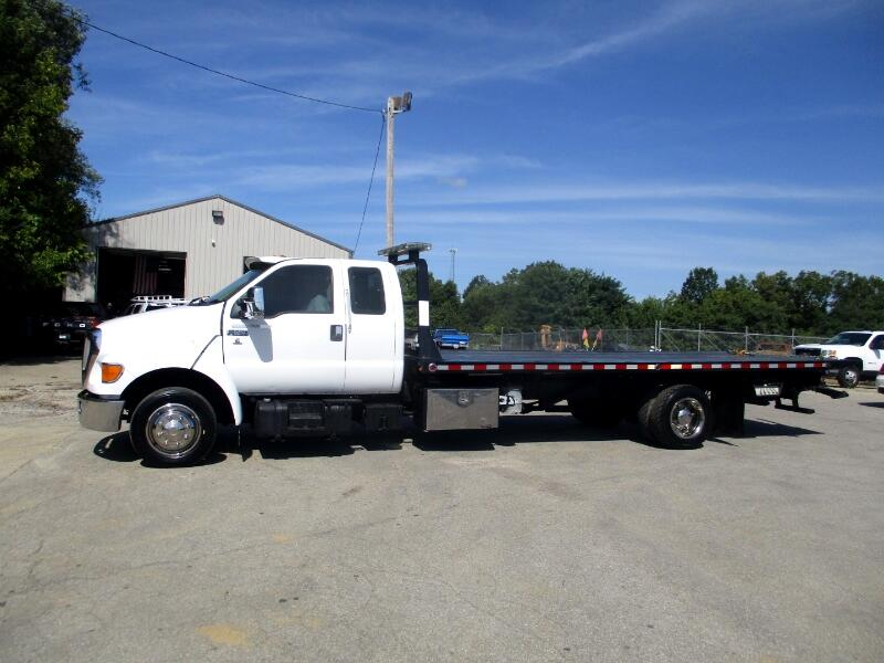 2001 Ford F-650 SuperCab 2WD DRW