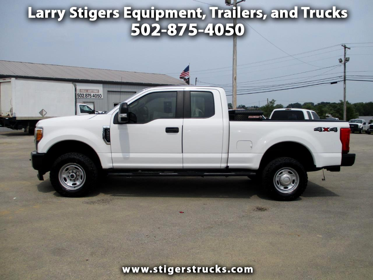 Ford F-250 SD XL SuperCab Short Bed 4WD 2017