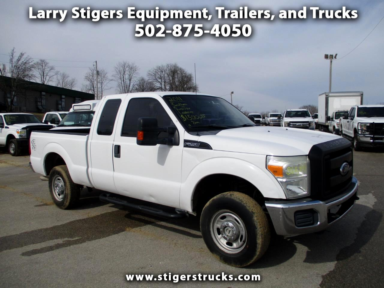 Ford F-250 SD XL SuperCab Short Bed 4WD 2011