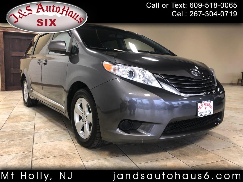 2017 Toyota Sienna LE FWD 8-Passenger (Natl)