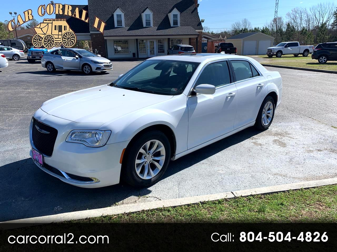 Chrysler 300 4dr Sdn 300 Limited RWD 2015