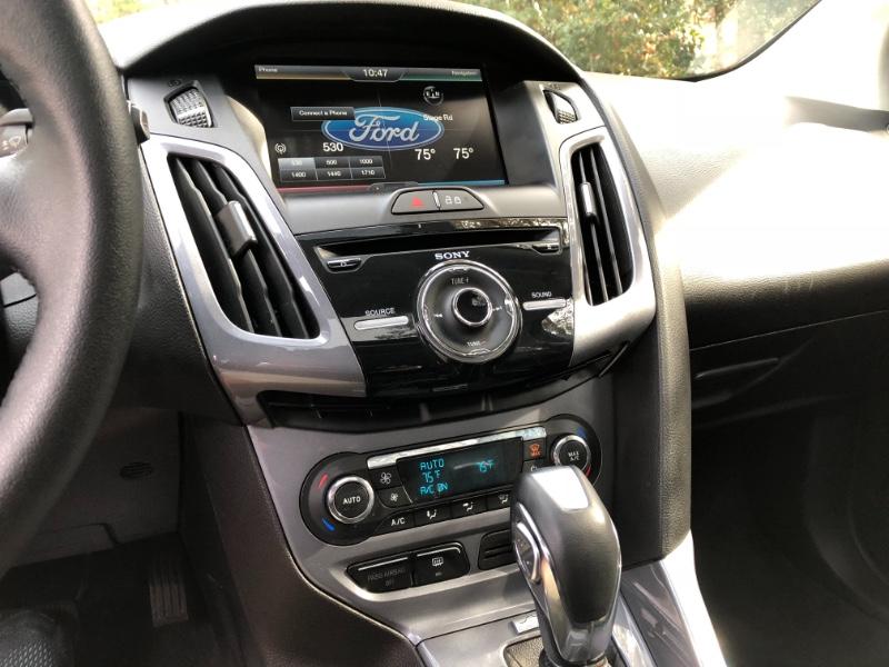 Ford Focus Titanium Hatch 2014