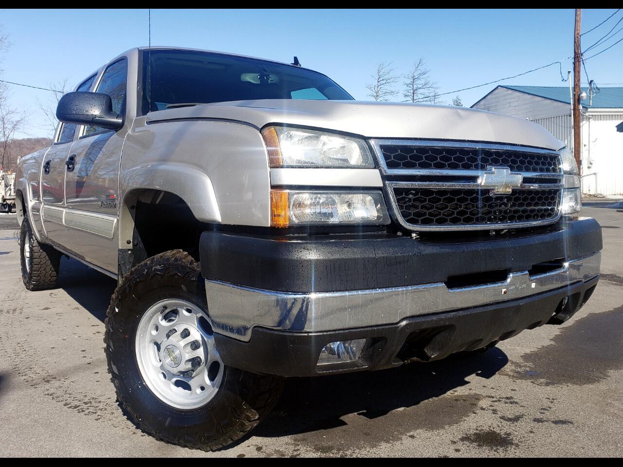 """Chevrolet Silverado 2500HD Crew Cab 153"""" WB 4WD Work Truck 2006"""