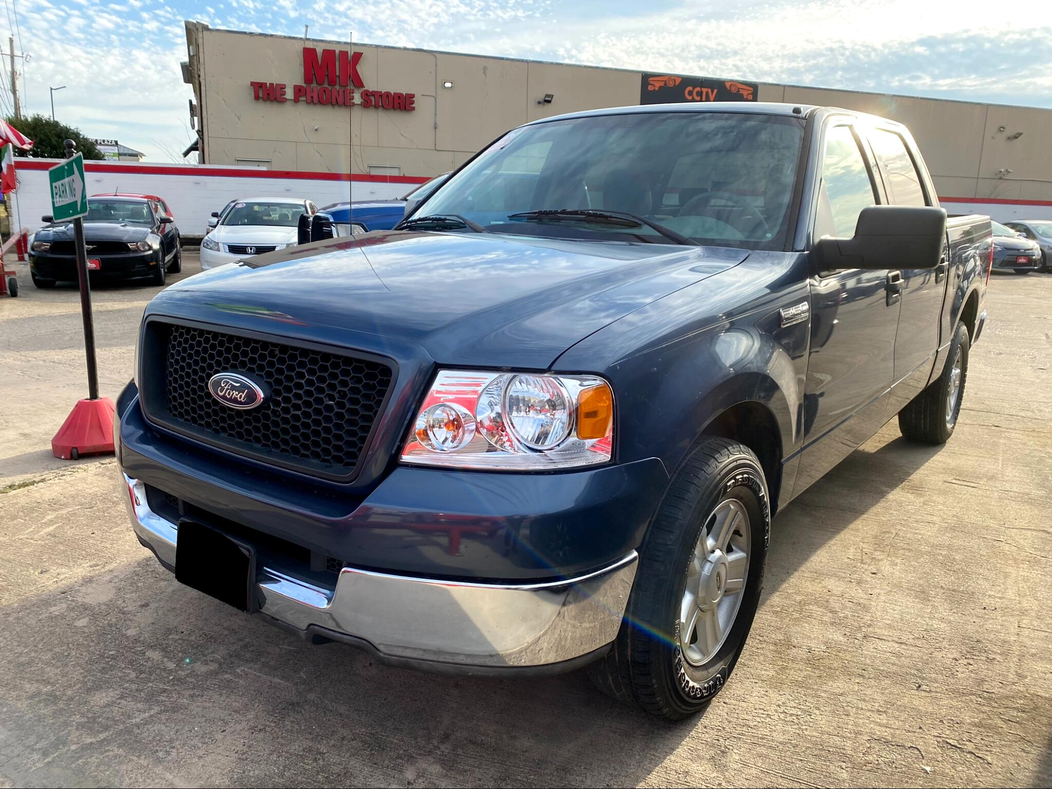 "Ford F-150 SuperCrew 139"" Lariat 2004"
