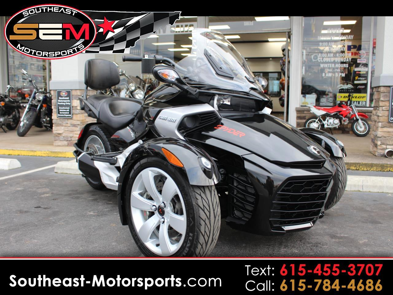 Can-Am Spyder  2015