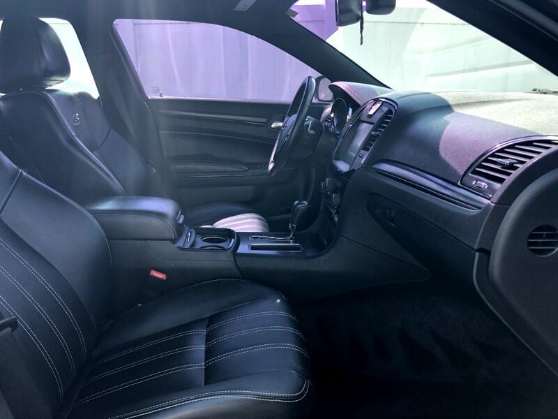 2012 Chrysler 300 S V8 RWD