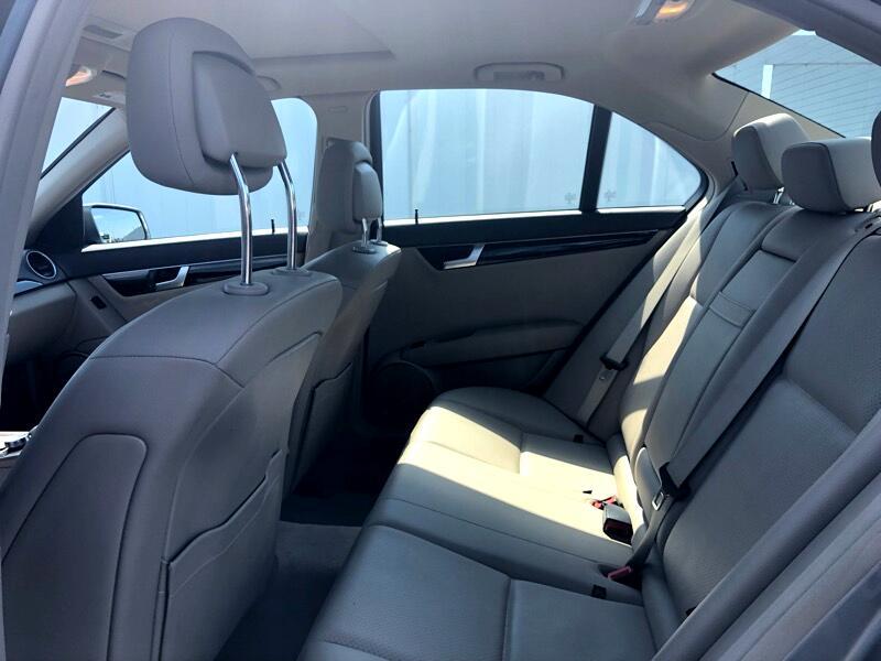 2014 Mercedes-Benz C-Class C250 Luxury Sedan
