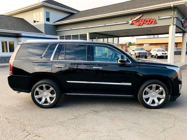 Cadillac Escalade 4WD 4dr Premium Collection 2016