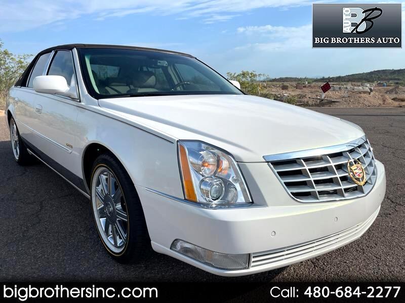 Cadillac DTS Sedan 2006