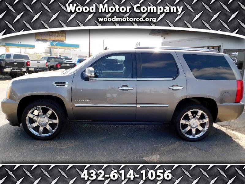 Cadillac Escalade Premium AWD 2011